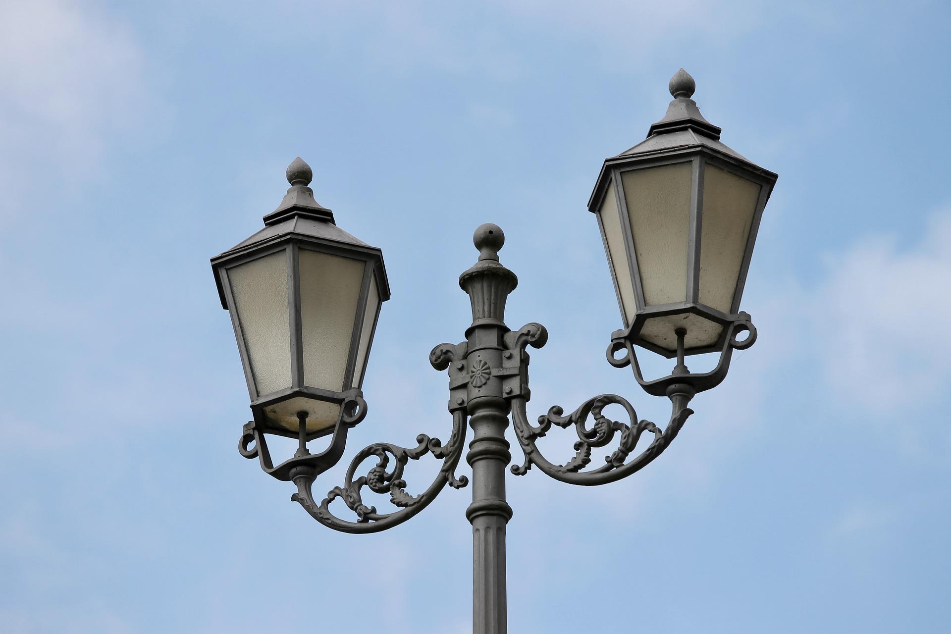 lantern-3257552_1920